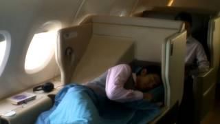 видео Сингапурские Авиалинии