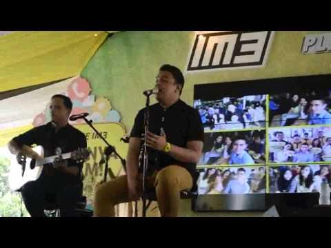 Live Performance Tulus - Jatuh Cinta