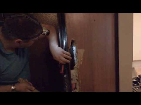 Ремонт металлической двери (замена внутренней МДФ панели)