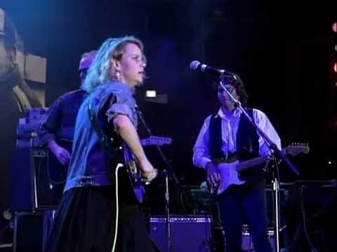Mary Chapin Carpenter - Down At The Twist And Shout (Live at Farm Aid 1992)