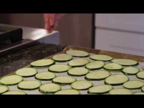how-to-make-crispy-healthy-zucchini-chips!