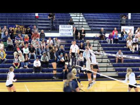 Volleyball vs Warner Pacific: Game Highlights
