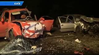 У столиці «SKODA Octavia» та «Mazda» зіткнулися лоб в лоб  є жертви