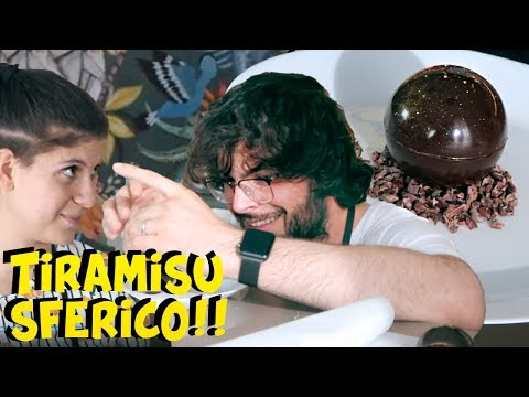 Tiramisù pazzesco in sfera di cioccolato   CUCINA BUTTATA ft. Irene Tolomei