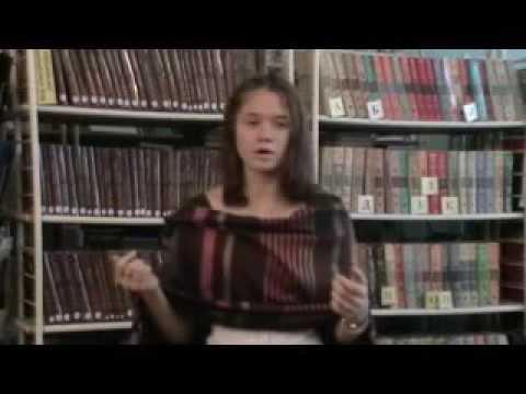 Изображение предпросмотра прочтения – ВероникаПанова читает произведение «Послушайте! (Послушайте! Ведь, если звезды зажигают…)» В.В.Маяковского