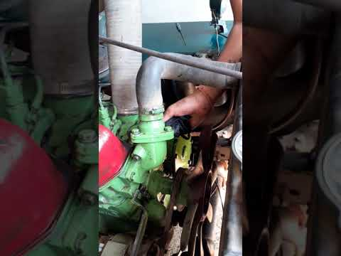 How to clean engine bay of willeys jeep Cleaning my engine bay of old jeep