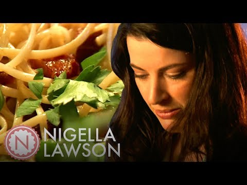 Nigella Lawson's Linguine with Garlic Oil and Pancetta | Nigella Bites