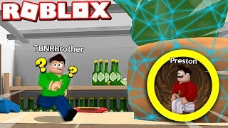 ROBLOX 1v1 HIDE AND SEEK with MY LITTLE BROTHER!