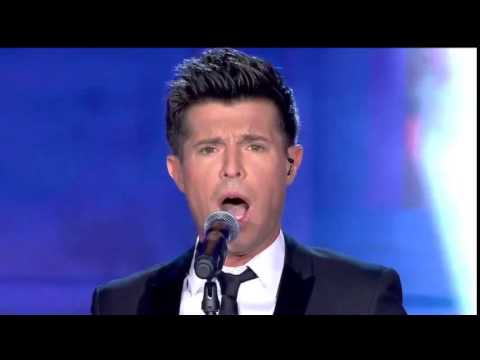 Vincent Niclo:  chante