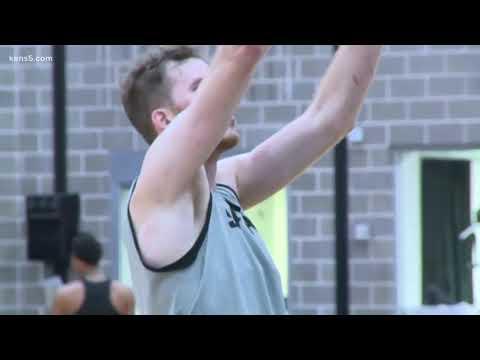 Preview: San Antonio Spurs Take On The New York Knicks Tonight