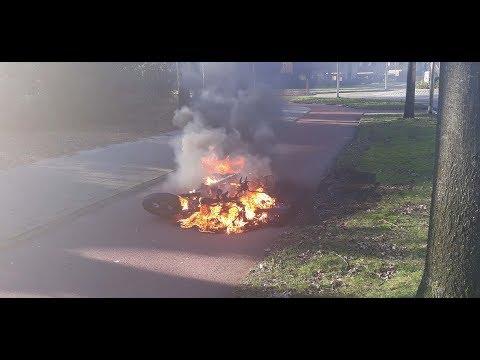 Scooter in de brand in Hoogeveen