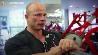Павел Кириленко. Тренировка груди.