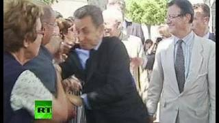 [2011 Flashback] Sarkozy attack video: Man grabs ex-French prez, nearly knocks him to ground