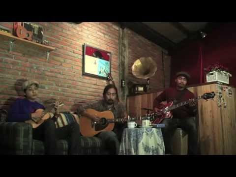 Silampukau - Lagu Rantau (January Live Video Gigs @ Jooks Cafe)