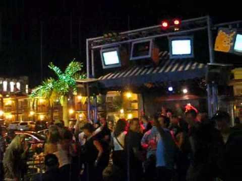 Niagara Bar Motel Karaoke