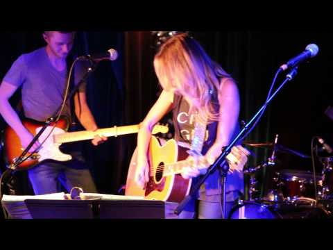 Deana Carter - We Danced Anyway, Live