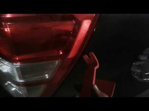 снимаем задний фонарь гранд витара,осторожно !