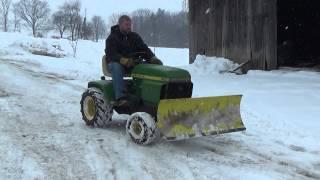 JOHN DEERE 300 GARDEN TRACTOR WITH JOHN DEERE HYDRAULIC SNOW BLADE