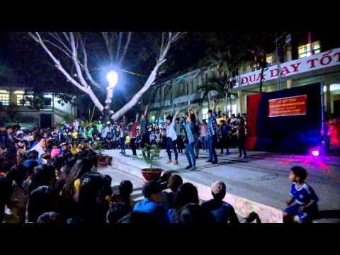 Waka Waka Dân vũ 10c5 THPT Phan Ngọc Hiển
