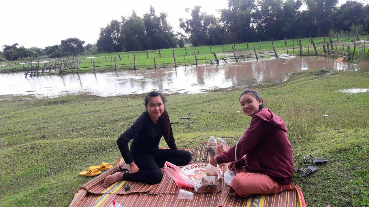 ฝนตกหนัก พาสาวๆกินตำข้างน้ำมากออกแก่ง : ພາສາວໆກິນຕຳຂ້າງນ້ຳອອກແກ່ງ