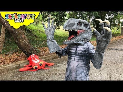 INDOMINUS REX wants a lobster     Skyheart hunts for hybrid dinosaur action kids nerf war eyeballs