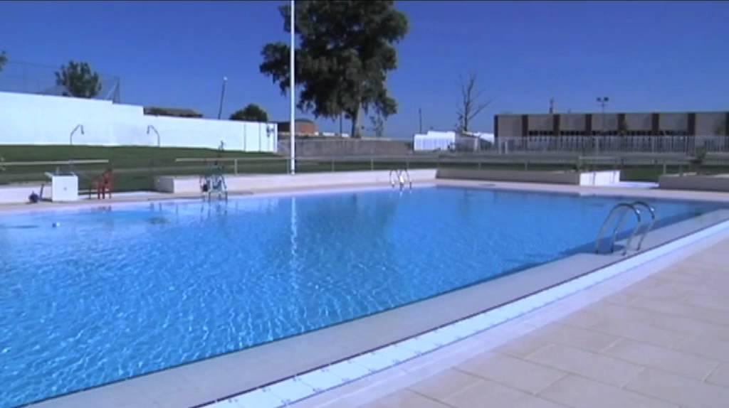 Villanueva 27 06 11 puertas abiertas piscina municipal for Piscina municipal mataro