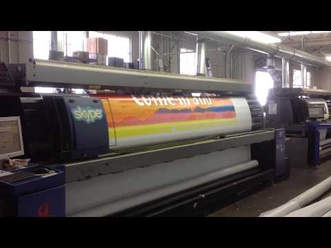 lindys-liquor-store-12ft-x-12ft-banner-being-printed-hp-scitex-solvent-printer.