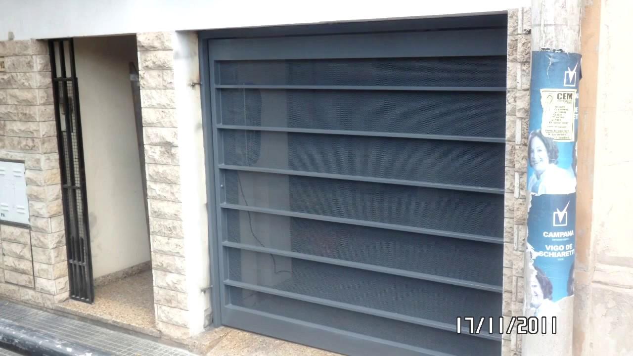 Puertas de cocina que abren hacia arriba for Puertas que abren hacia afuera