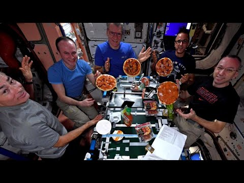 Gravity Was Not Ingredient During Astronauts' Pizza Party in Space