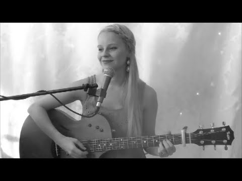 Perfect Two- Auburn (Cover by Amy Katrina- live & acoustic)