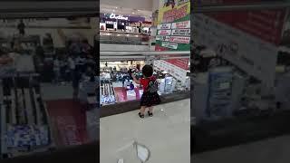 Ollel jalan2 di mall paragon