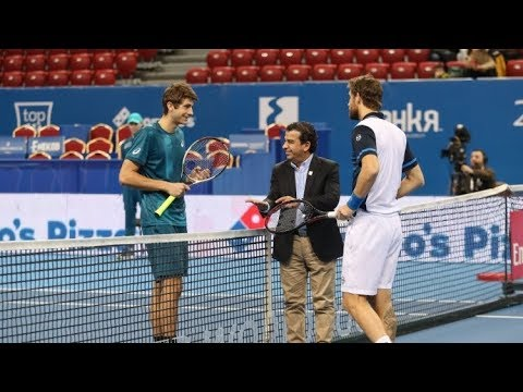 Alexander Donski (WC, №1529) vs. Martin Klizan 5-7, 1-6 Diema Xtra Sofia Open (R32) 06.02.2018.