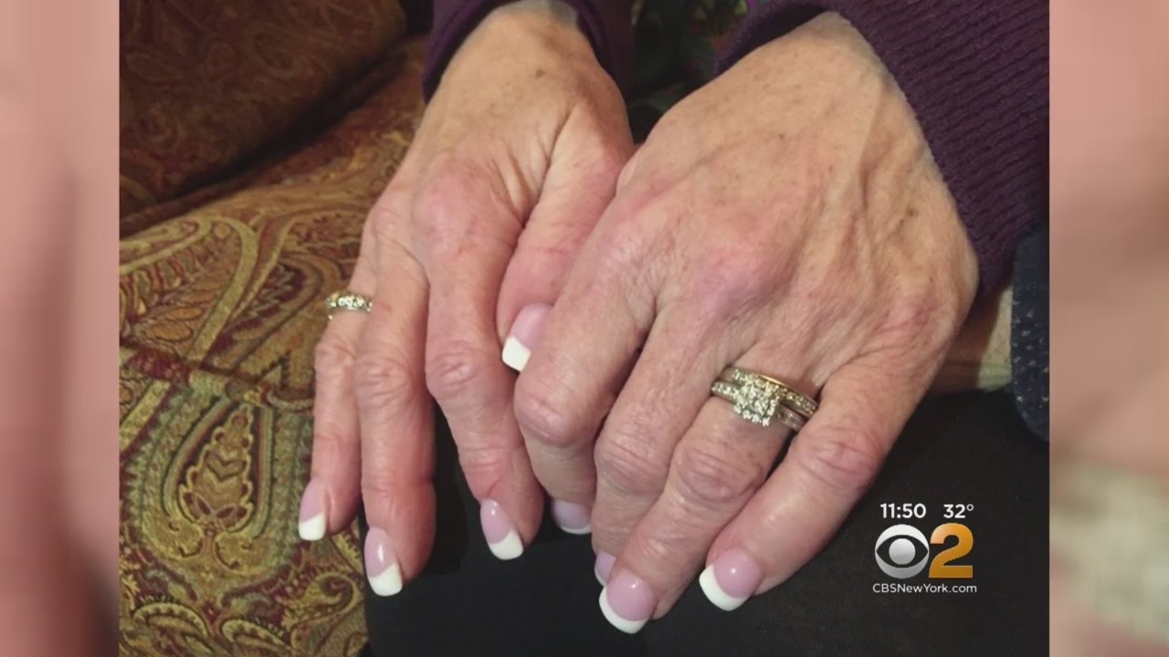 Sanitation Workers Find Lost Wedding Rings - YouTube
