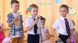 Детский сад. Игра на музыкальных инструментах.