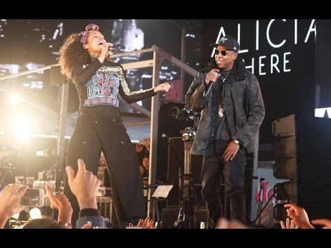 Alicia Keys & Jay Z - Empire State of Mind LIVE (HERE in Times Square) HIGH QUALITY