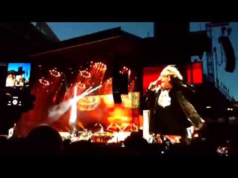 Guns N' Roses – Intro & It's So Easy (Not In This Lifetime Tour – Seattle)