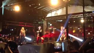 2NE1 I am the Best in Singapore Singtel Surprise event