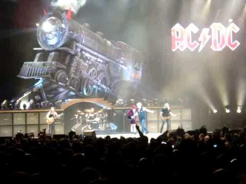Ac Dc Runaway Train Madison Square Garden 11 13 08 Youtube