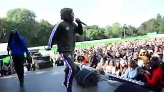 Download Mario Cash Geeft Een Gekke Show & Wiet Weg Op Appelsap & Krijgt #OminLove Van Fans Mp3 and Videos
