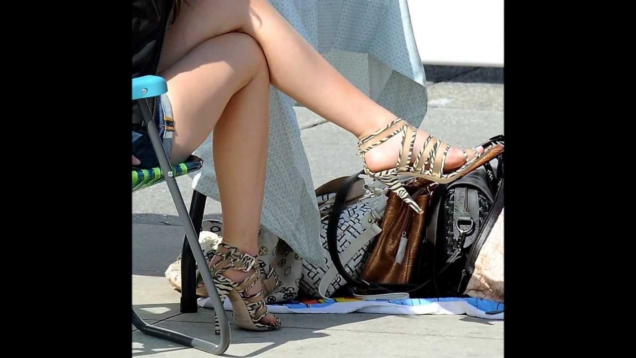 quality design 43fc6 3e45c Piedi e gambe di Emma Watson (Emma Watson's feet and legs)