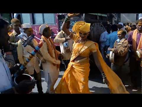 संबळ च्या तालावर तिचा ठेका तुम्हालाही आवडेल | Girl Dance on sambal music
