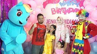 WOW!!! Ada badut lucu dan kuda poni di Pesta Ulang Tahun Jenica? 💖 Kids Birthday Party!.mp3