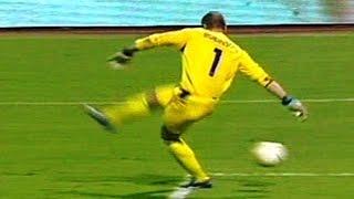 【衝撃サッカー動画】 最悪の失点シーンだけを集めた動画「お笑いゴールキーパー」 thumbnail