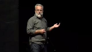 Sobrevivir el aula | Hernán Aldana | TEDxPuraVidaED
