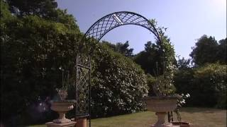 Add A Superb Focal Point To Your Garden With A Harrod Full Lattice Garden Arch