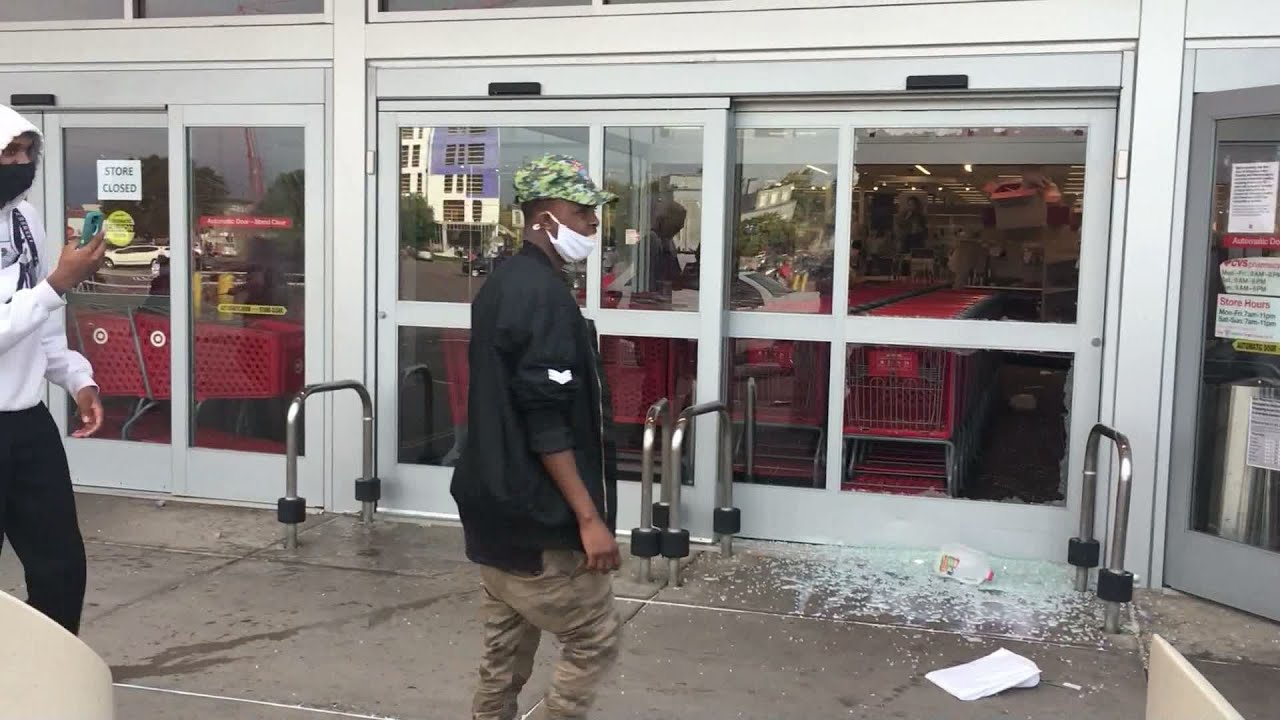 Looting Along Nicollet Mall Leaves Downtown Minneapolis ...