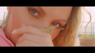 Смотреть клип Alexandra Stan - I Think I Love It