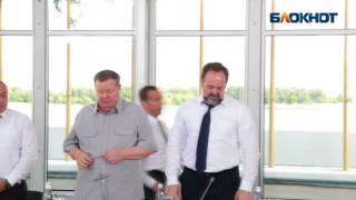 В интернете появилось видео  Дмитрия Медведева в образе Дарта Вейдера в Волгограде