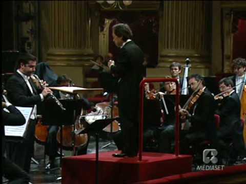 Francesco Di Rosa performs Strauss at  La Scala Theatre in Milan 1° movement