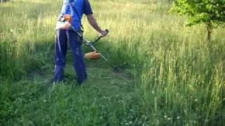Kosenje so trimer visoka trava